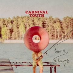 Kilometriem tālu - Carnival Youth